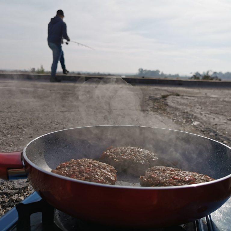 Csatorna, hamburger, haleső – Őszi kalandozás a Rabbit Dam Team-mel